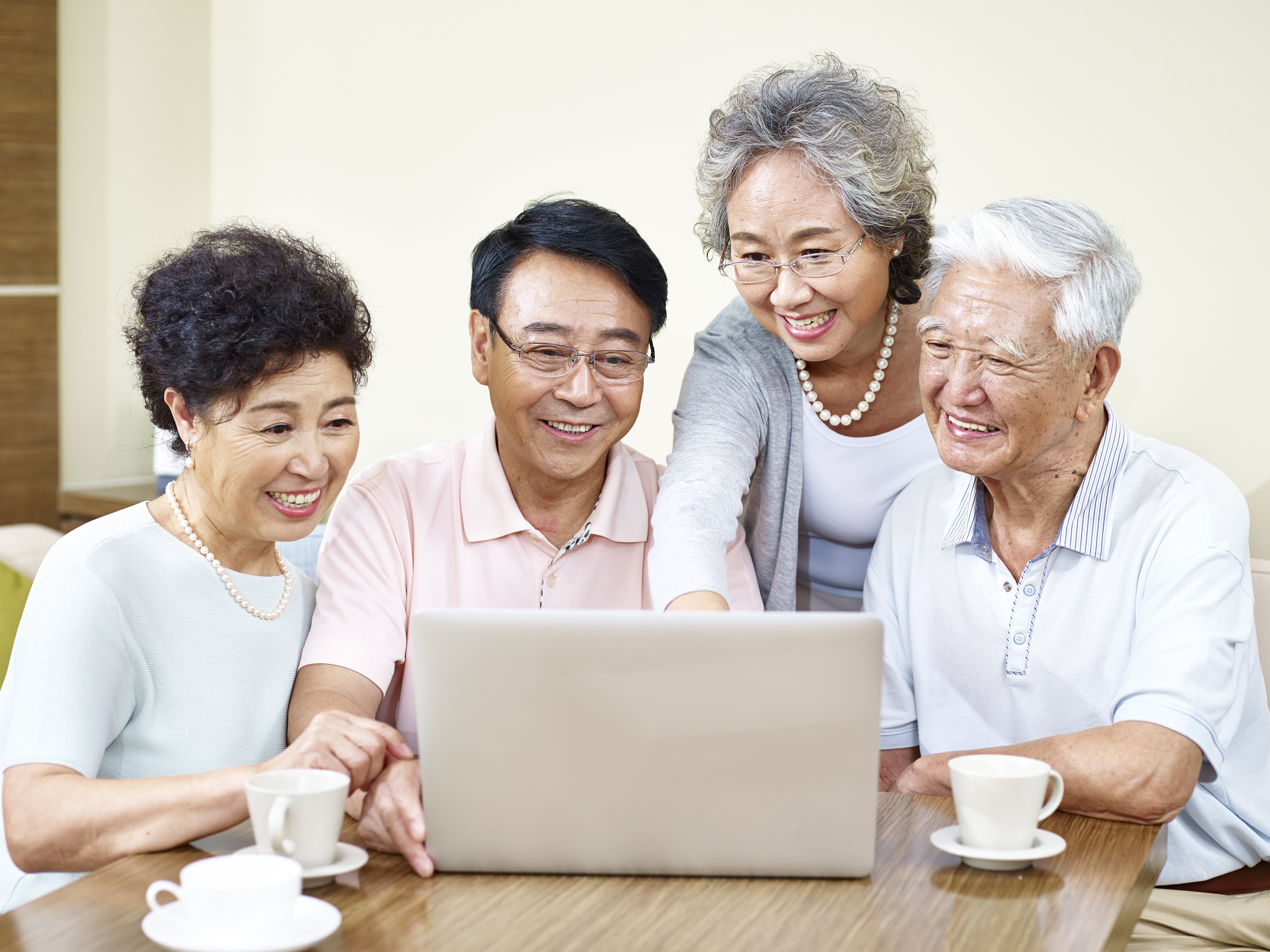 China's Elderly Have Successfully Adapted to the Internet